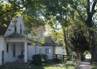 Foreclosed Home in Indianapolis 46222 S WARMAN AVE - Property ID: 4318781140