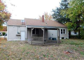 Foreclosed Home in Hutchinson 67501 E 8TH AVE - Property ID: 4319113127