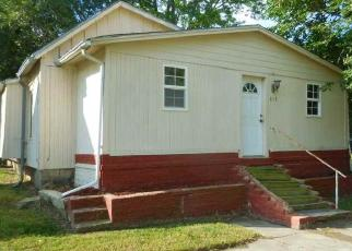 Foreclosed Home in Winfield 67156 E 7TH AVE - Property ID: 4319123203