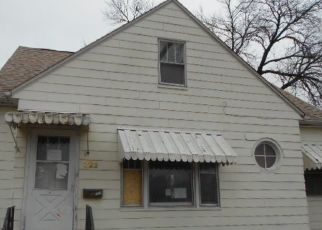 Foreclosed Home in Waterloo 50703 E LOUISE ST - Property ID: 4319167443