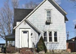 Foreclosed Home in Kendallville 46755 E MITCHELL ST - Property ID: 4319178389