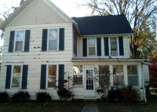 Foreclosed Home in Greenville 62246 E OAK ST - Property ID: 4319185403