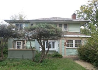 Foreclosed Home in Maywood 60153 S 4TH AVE - Property ID: 4319190661