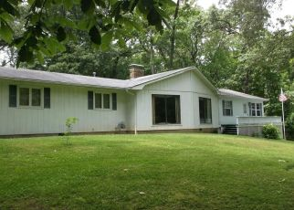 Foreclosed Home in Harrisburg 62946 MCDERMOTT RD - Property ID: 4319199414