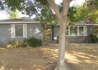 Foreclosed Home in Selma 93662 FLORAL AVE - Property ID: 4319288319