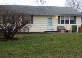 Foreclosed Home in East Hampton 06424 COLCHESTER AVE - Property ID: 4319373738
