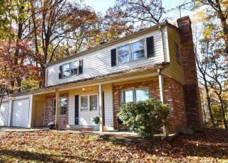 Foreclosed Home in Oakton 22124 MICHELE CT - Property ID: 4319409648