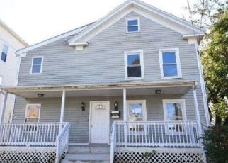 Foreclosed Home in Bridgeport 06608 OGDEN ST - Property ID: 4319430672