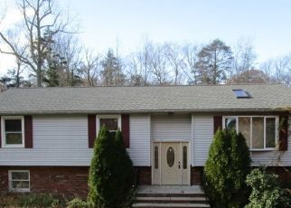 Foreclosed Home in Hewitt 07421 BAYONNE DR - Property ID: 4319679884