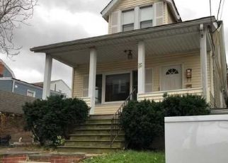 Foreclosed Home in Bloomfield 07003 FAIRVIEW PL - Property ID: 4319682504