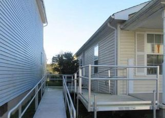 Foreclosed Home in Sunbury 17801 PINE ST - Property ID: 4319707915