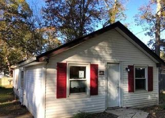 Foreclosed Home in Selden 11784 ELMWOOD AVE - Property ID: 4319878722