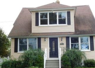 Foreclosed Home in Stratford 06614 DISBROW ST - Property ID: 4319901939