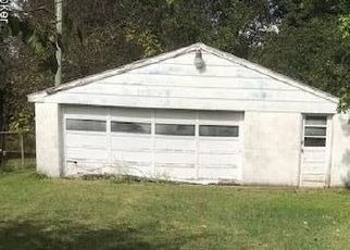 Foreclosed Home in Fairdale 40118 WILTON DR - Property ID: 4320017104