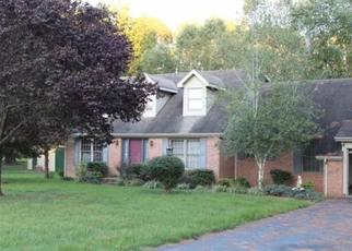 Foreclosed Home in Mortons Gap 42440 NEW WALNUT ST - Property ID: 4320064864