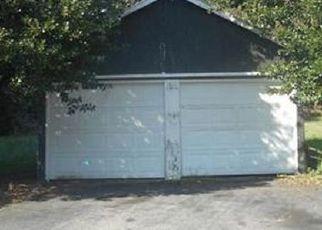 Foreclosed Home in Kilmarnock 22482 CEDAR LN - Property ID: 4320341657