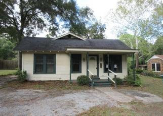 Foreclosed Home in Nacogdoches 75964 S FREDONIA ST - Property ID: 4320422232