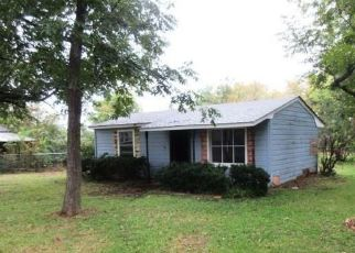 Foreclosed Home in Van 75790 E OHIO ST - Property ID: 4320444131