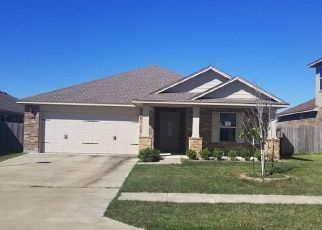 Foreclosed Home in Victoria 77904 FLINT ROCK CT - Property ID: 4320477876