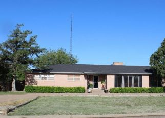 Foreclosed Home in Tulia 79088 N MAXWELL AVE - Property ID: 4320512909