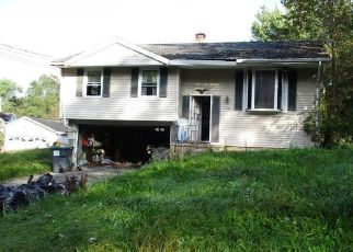 Foreclosed Home in Warwick 10990 PARK DR - Property ID: 4320583414