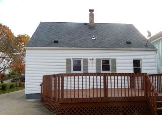 Foreclosed Home in Akron 44314 11TH ST SW - Property ID: 4320601371