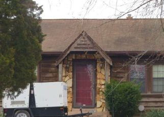 Foreclosed Home in Saint Louis 63125 BUCKLEY RD - Property ID: 4320809408
