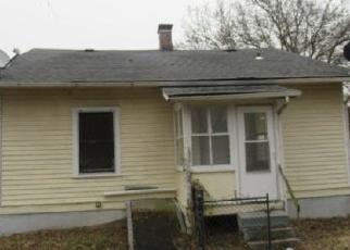 Foreclosed Home in Saint Louis 63135 HARRISON AVE - Property ID: 4320825171