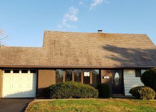 Foreclosed Home in Levittown 19054 BEGONIA LN - Property ID: 4320930735