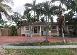 Foreclosed Home in Hialeah 33015 NW 82ND CT - Property ID: 4320944298