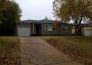 Foreclosed Home in Ponca City 74601 JOHN ST - Property ID: 4321054235
