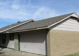 Foreclosed Home in Claremore 74019 S 4200 RD - Property ID: 4321065628