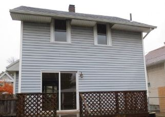 Foreclosed Home in Toledo 43612 ASBURY DR - Property ID: 4321167229