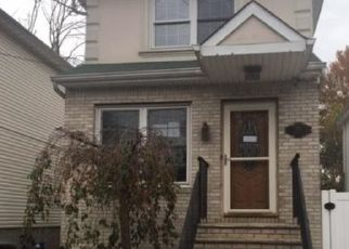 Foreclosed Home in Staten Island 10303 LOCKMAN AVE - Property ID: 4321242115
