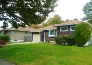 Foreclosed Home in Massapequa 11758 MARGARET RD - Property ID: 4321246506