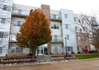 Foreclosed Home in Cudahy 53110 LIBRARY DR - Property ID: 4321541712