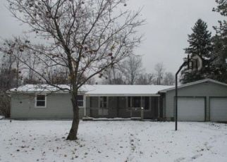 Foreclosed Home in Farwell 48622 PINE CRESCENT DR - Property ID: 4321547845