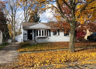 Foreclosed Home in Lansing 48911 S DEERFIELD AVE - Property ID: 4321549591