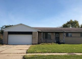 Foreclosed Home in Mount Clemens 48043 CLINTON RIVER DR - Property ID: 4321575878
