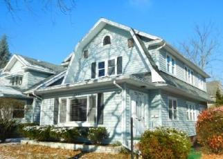 Foreclosed Home in Lansing 48912 PROSPECT ST - Property ID: 4321596450