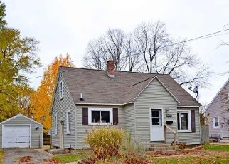 Foreclosed Home in Wyoming 49509 BURLINGAME AVE SW - Property ID: 4321617921