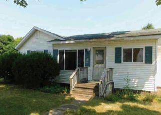 Foreclosed Home in Breckenridge 48615 E MAIN ST - Property ID: 4321623155