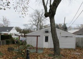 Foreclosed Home in Beech Grove 46107 S 13TH AVE - Property ID: 4321677477