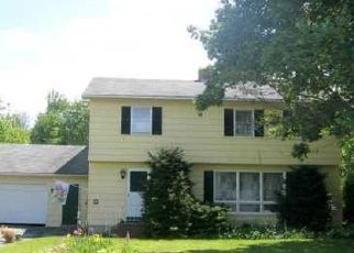 Foreclosed Home in Waterville 04901 FRANKWOOD DR - Property ID: 4321701568