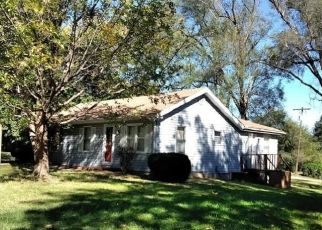 Foreclosed Home in Leavenworth 66048 3RD AVE - Property ID: 4321839529