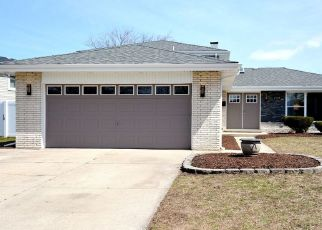 Foreclosed Home in South Holland 60473 SCHOOL ST - Property ID: 4321963920