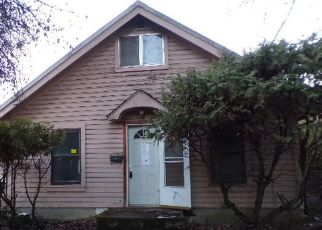 Foreclosed Home in Saint Maries 83861 CENTER AVE - Property ID: 4322001123