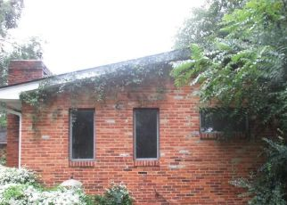 Foreclosed Home in Annapolis 21403 SUNSET DR - Property ID: 4322787296