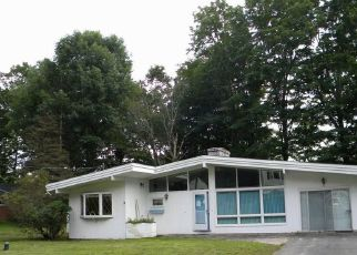 Foreclosed Home in Wolcott 06716 CLIFF ST - Property ID: 4323037380