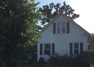 Foreclosed Home in Racine 53405 DEANE BLVD - Property ID: 4323121473